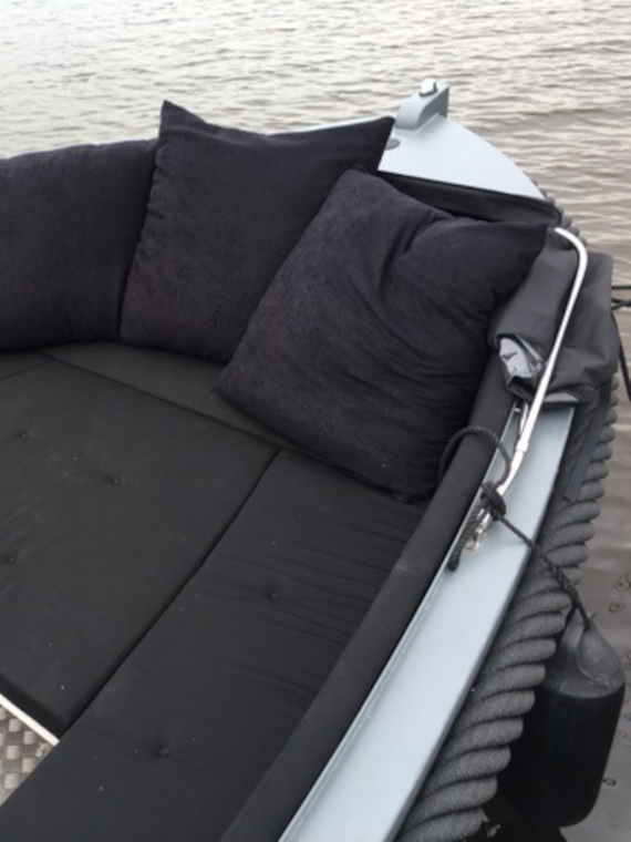 Blackfish Classic 750 - specificaties boeg